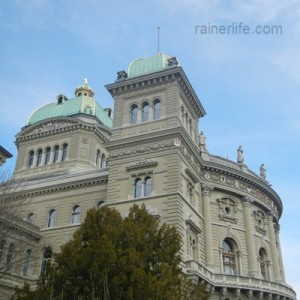 Bundeshaus (House of Parliament), Bern, Switzerland | rainerlife.com