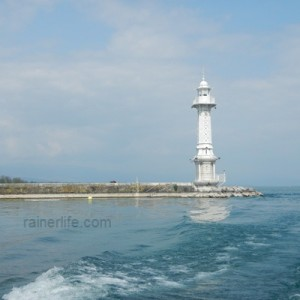 The Paquis Lighthouse, Geneva, Switzerland | rainerlife.com