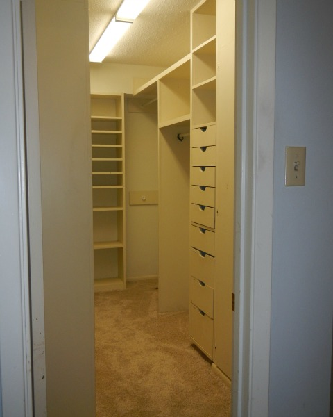 Old master bedroom closet| rainerlife.com