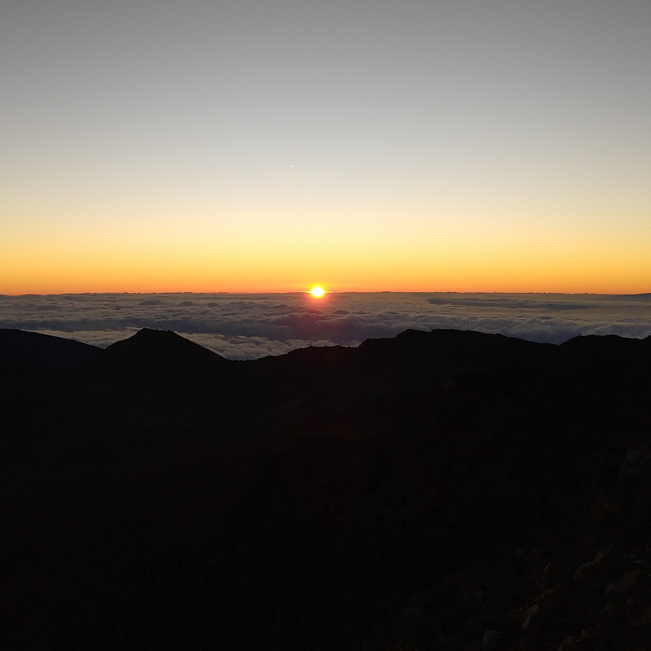 Sunrise at Haleakala {Maui} | rainerlife.com