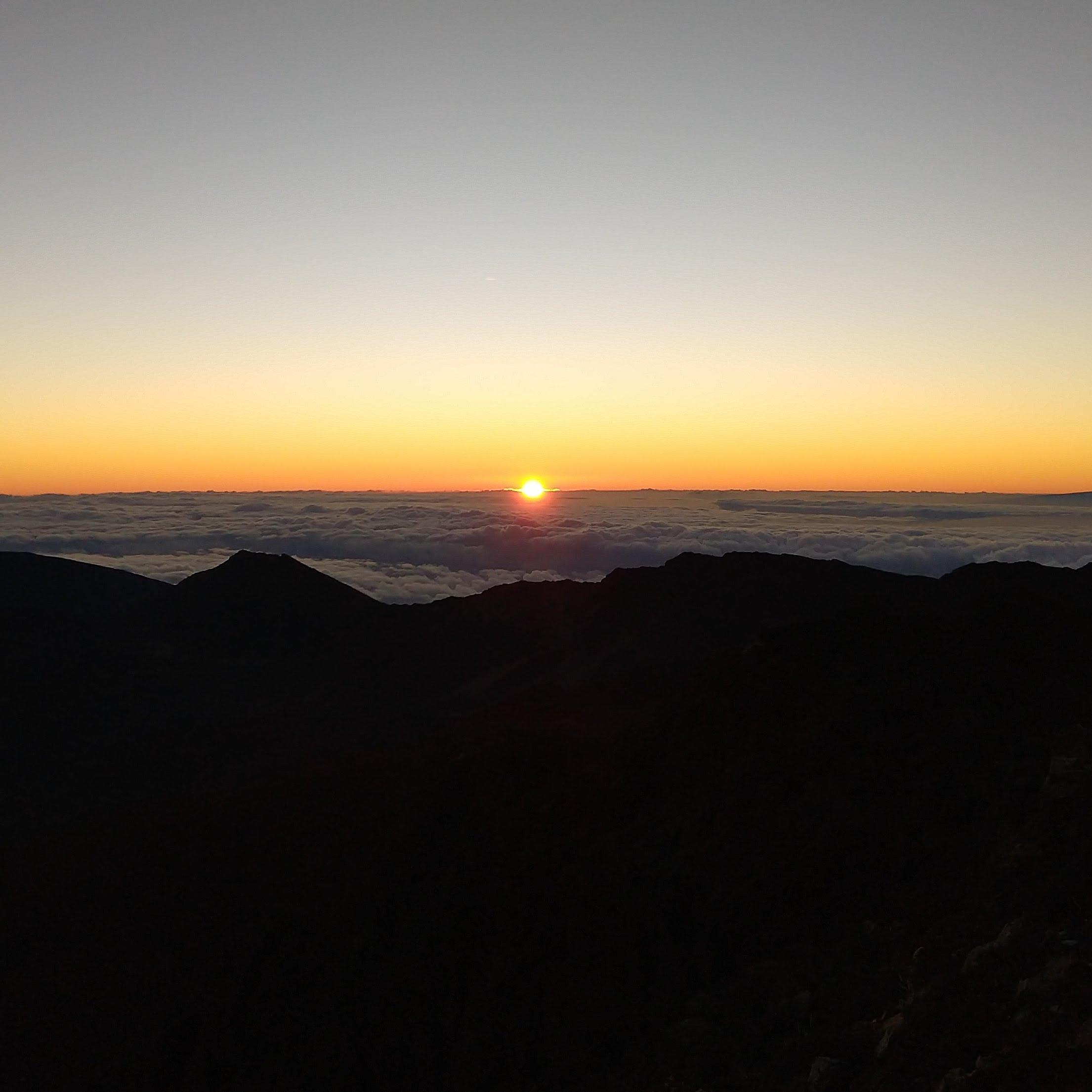 Sunrise at Haleakala {Maui} | rainerlife.com