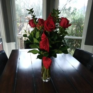 Valentine's Day flowers | rainerlife.com